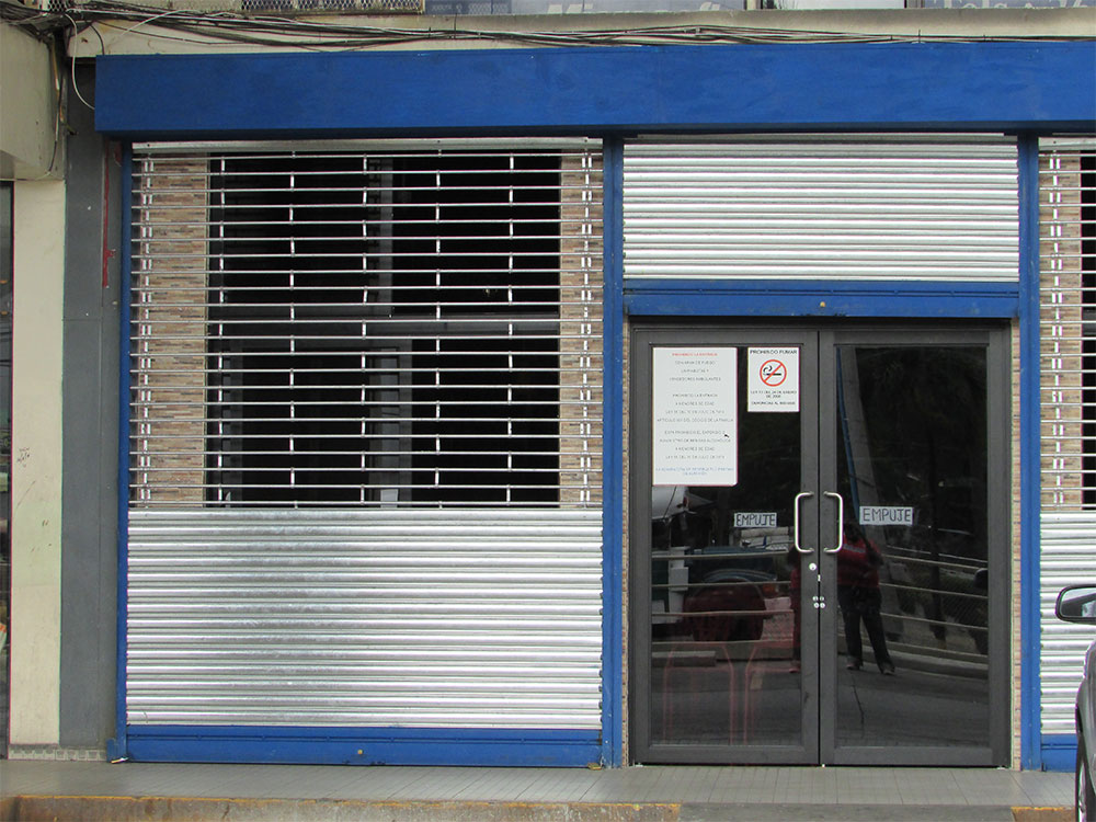 Puertas enrollables rolling doors repair and more s a for Puertas enrollables